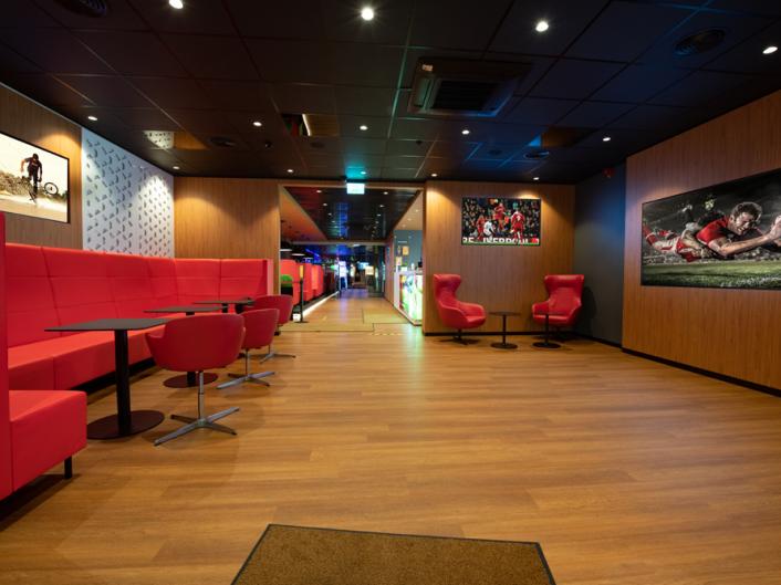 спортивный бар и игровые автоматы A. Deglava iela 160a
