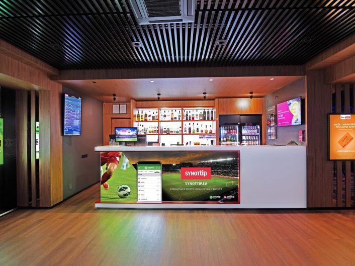 спортивный бар и игровые автоматы Lielā iela 1