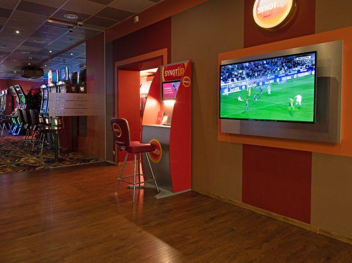 sporta bārs – spēļu zāle O. Kalpaka ielā 66
