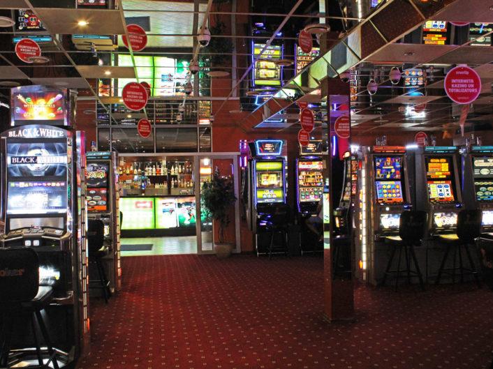 спортивный бар и игровые автоматы Latgales iela 91