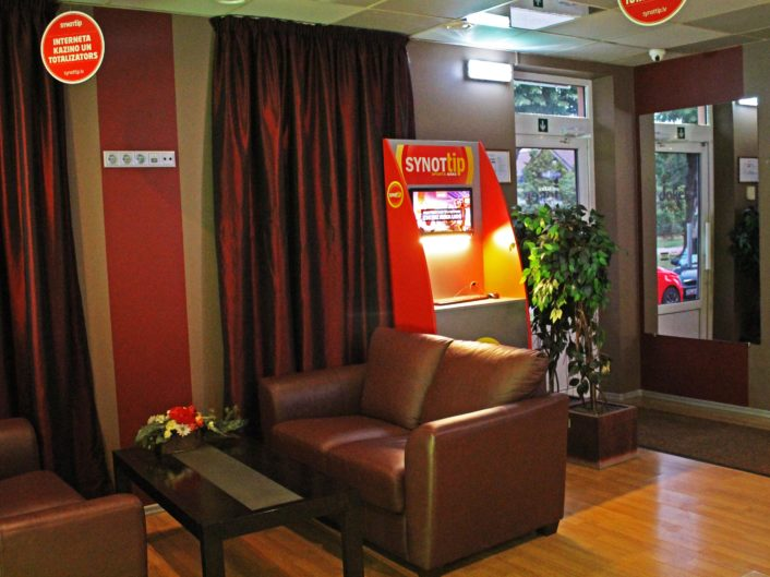 спортивный бар и игровые автоматы Saules iela 79